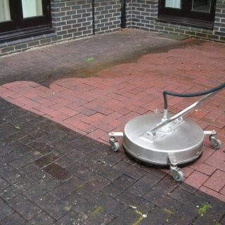 Pressure Wash Cleaning Services In Derry Northern Ireland